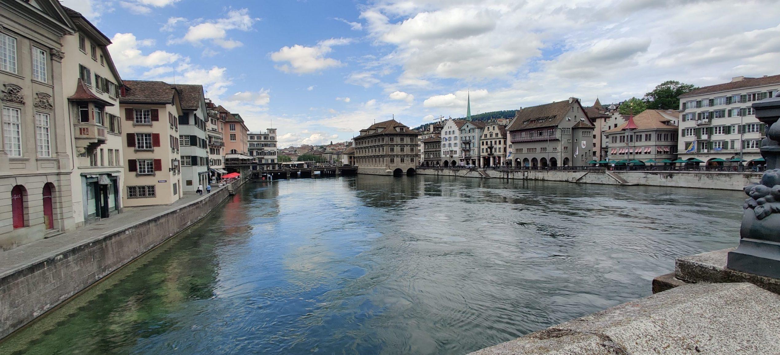 Digio exploring Zürich